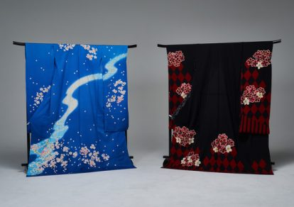 "Kyo Yuzen Kimono, a collaboration between ""Touken Ranbu –ONLINE-"" and SuperGroupies. Mikazuki Mikazuki model on the left and Kashu Kiyomitsu model on the right."