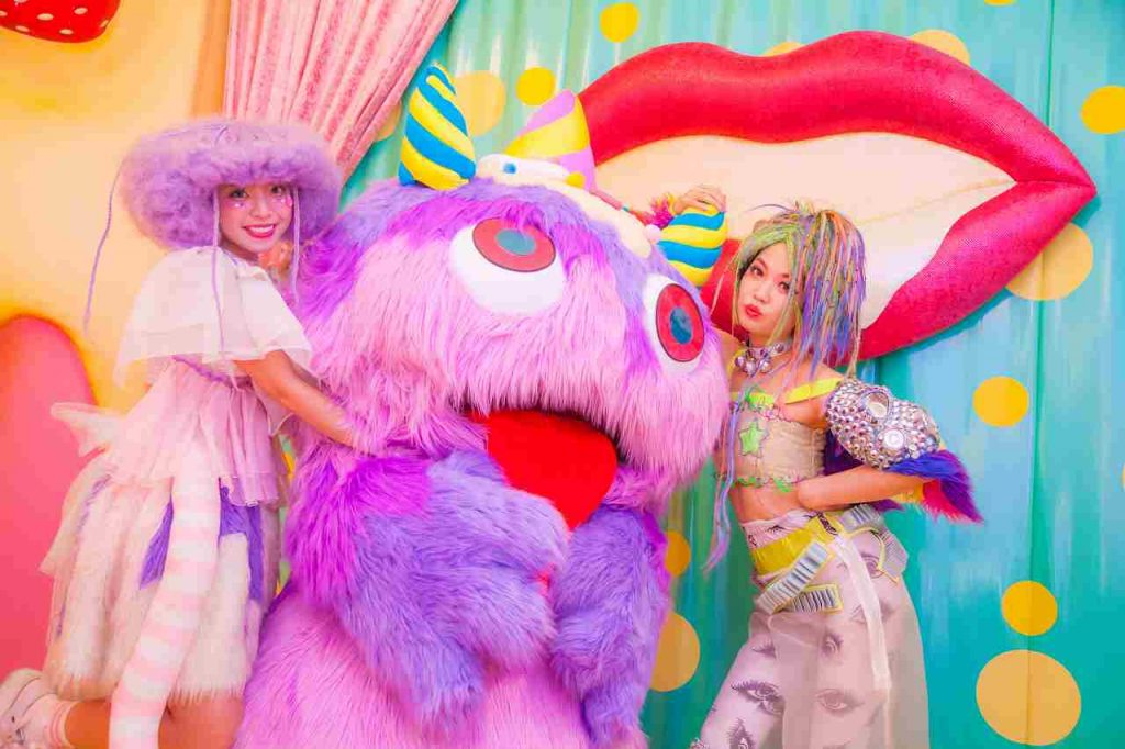 Choppy Perfomance Time at Kawaii Monster Cafe Harajuku