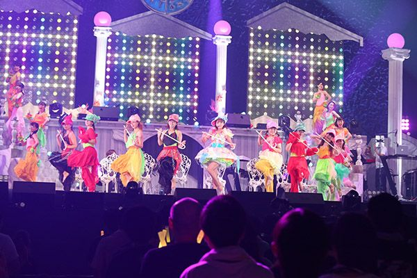 "Read MANGA.TOKYO's report from the 'Mimori Suzuko Live 2017 ""Tropical Paradise""' at Makuhari Messe Event Hall"