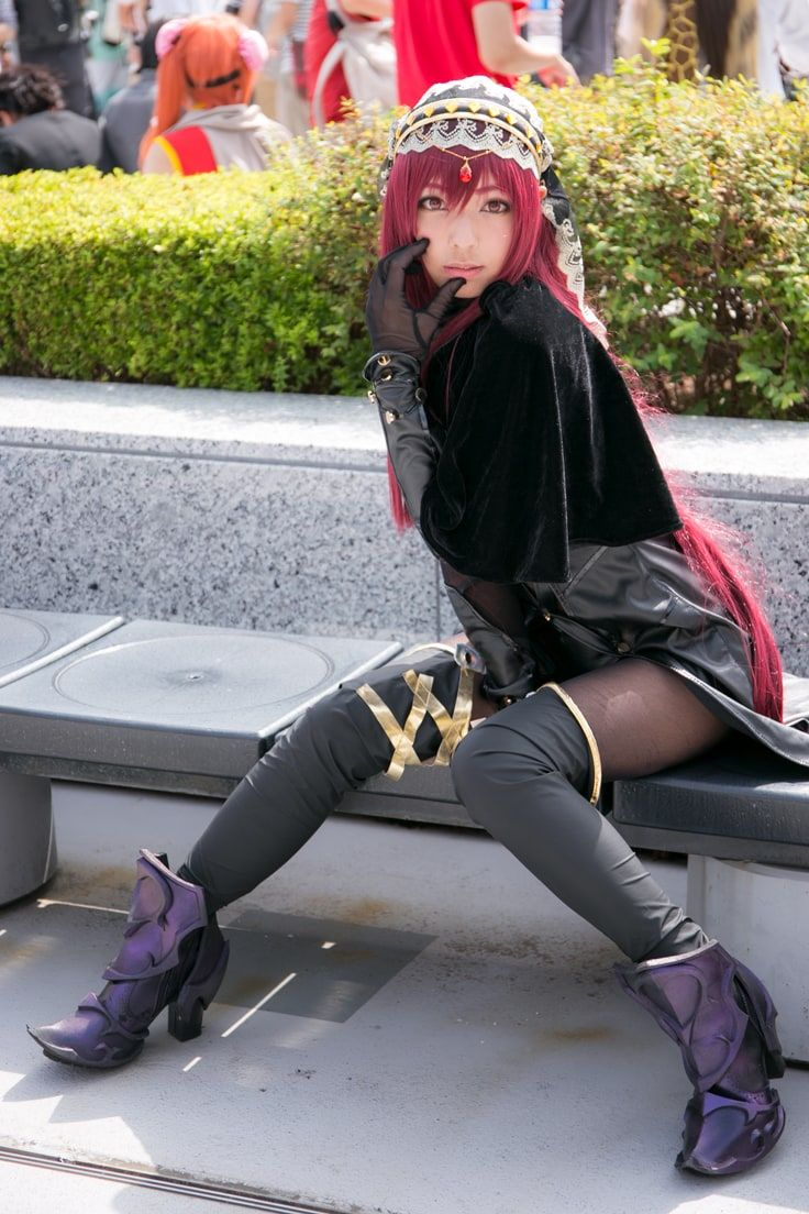 Cosplays With Knee-high Socks | Nanri as Scáthach from Fate/Grand Order, Photo by Hirohisa Yamashita