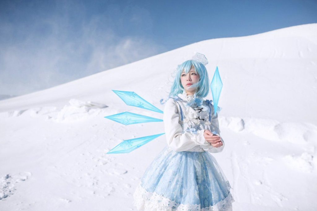 Eroko Chiba as Cirno from 'Touhou Project' | World Cosplayer: Eroko Chiba from China