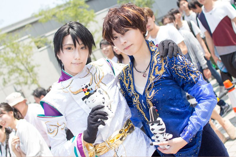 subaru (@PleiadesXX) as Yuzuru Hanyu and Arata (@arata_909) as Shoma Uno, two famous figure skaters from Japan | Comiket 94: Unique Cosplays from Day 2
