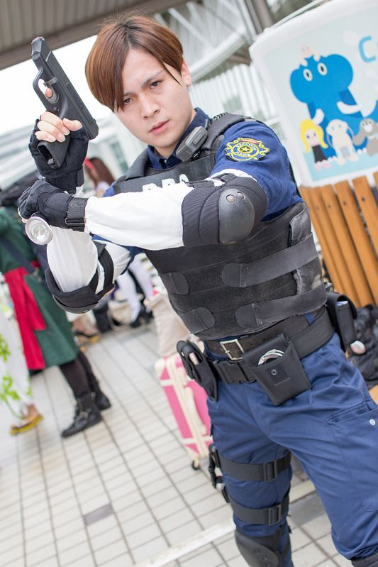 Cran (@__Cran__) as Leon S Kennedy from Resident Evil 2 | Comiket 94: Male Cosplayers from Day 3