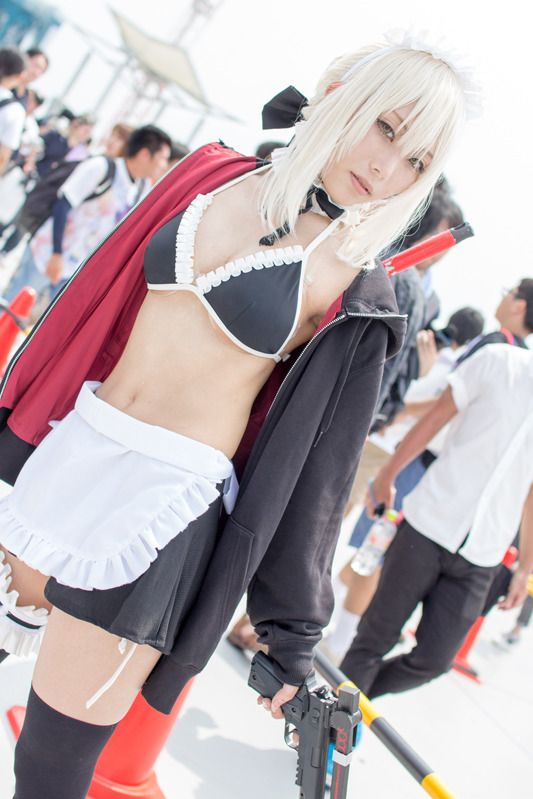 Sousaki (@so_saki1) as swimsuit Saber (Alter) from Fate/Grand Order/Photo: 乃木章 | Comiket 94: Beautiful Female Cosplayers from Day 3