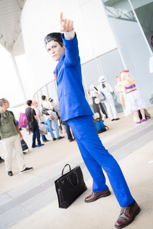Ruya @ruya_ka as Phoenix Wright (Ryuichi Naruhodo) from Ace Attorney Series/ Photographer: @Osefly | [TGS2018] Male Cosplay Gallery from the First Day