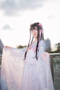 Ayumi Momoka @aym_398086 wearing original Chinese clothing/ Photographer: Hanmo | Cosplay Gallery from Cosplay-haku in TFT