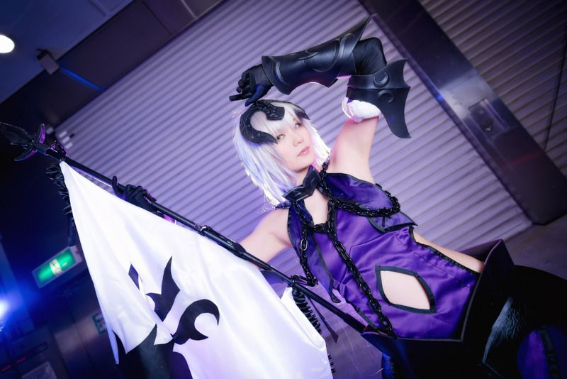 SUZUZU as Jeanne Dark (Alter) from Fate/Grand Order | Cosplay Gallery from TonaCos